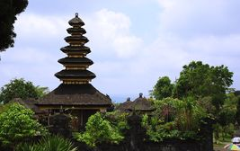 Střecha balijského chrámu