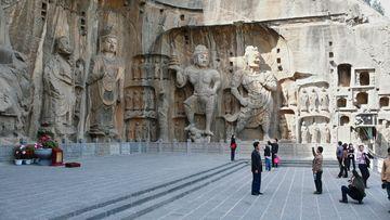 Buddhistické jeskyně Dračí brána v Luoyangu