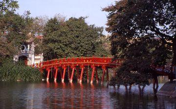 Hanoj - most Vycházejícího slunce