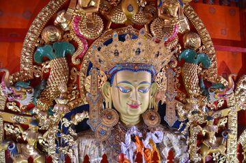 Buddha Maitréja v tibetském klášteře