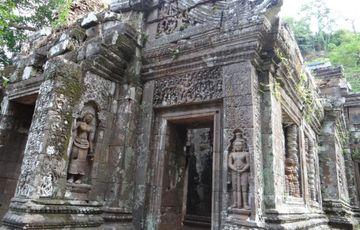 Zdobené budovy Wat Phu