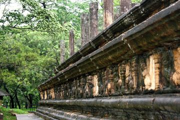 Reliéfní výzdoba bývalých paláců, Polonnaruva