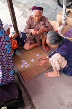 Babičky v Hoi Anu