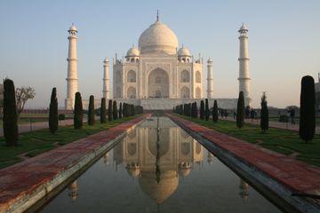 Slavný Tádž Mahal v Ágře