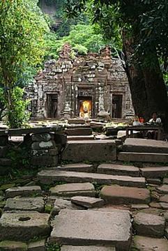 Svatyně ve Wat Phu