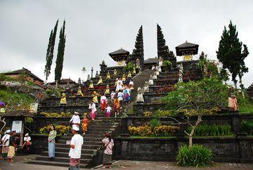 Besakih - nejsvatější z chrámů Bali