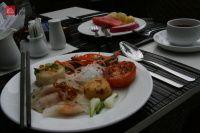 Jarní závitky, opečené rajče, rýžové nudle ... krása