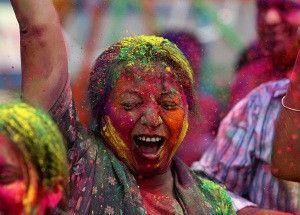 Pestrobarevná indická žena