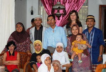 Rodinné setkání při Lebaranu