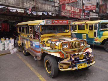 Jeepney – typická doprava na Filipínách