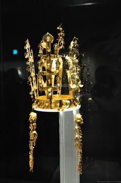 Zlaté cennosti z královských hrobek v Kjongdžu
