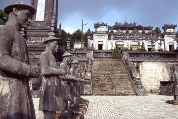 Hue - hrobka Kai Dinh