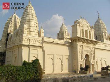 Džinistický chrám Šantináth