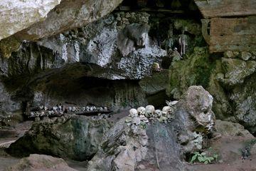 Jeskyně s mrtvými