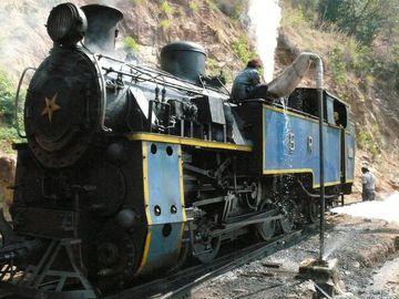 Parní lokomotiva vláčku do Ooty