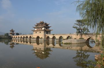 Jianshui – 400 let starý most Dvojitého draka