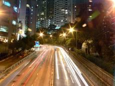 Noční ulice Hongkongu