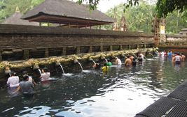 Chram Tirta Empul, Bali