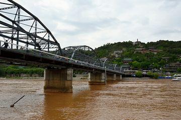 Lanzhou – nejstarší ocelový most přes Žlutou řeku
