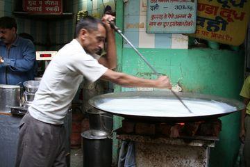 Výroba jogurtu na ulici