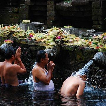Chrám posvátného pramene, Bali