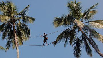Trhač kokosů na laně