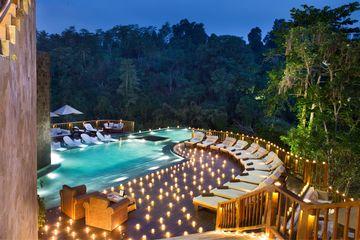 Hanging Gardens Bali za tmy