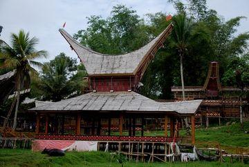 Typická toradžská stavba