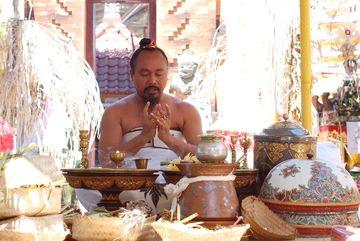 Hinduistický mnich při obřadu